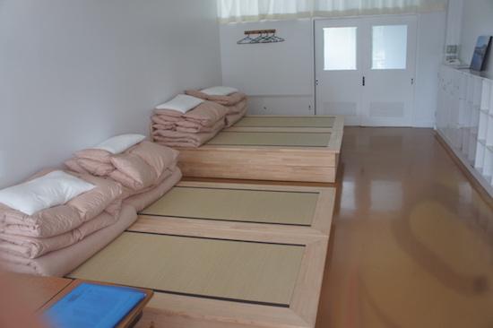 保田小学校 宿泊施設 道の駅 ベッド