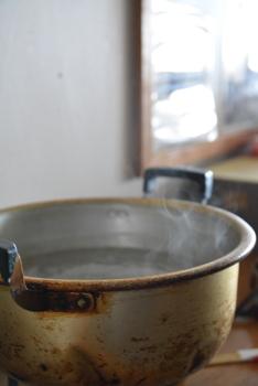 湯を沸かす