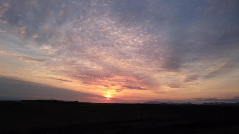 開陽台からの夕陽(中標津町)
