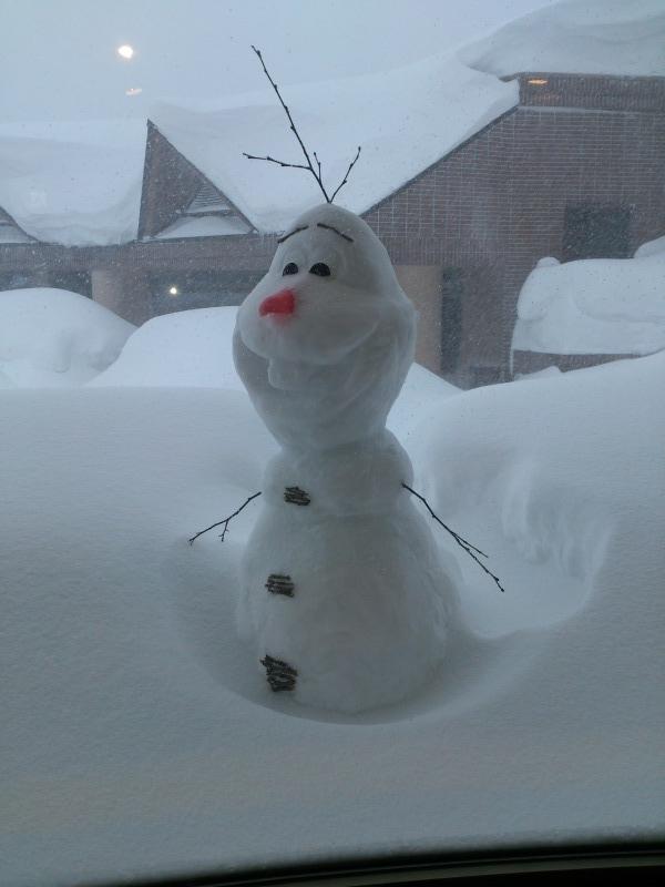 オラフの雪像