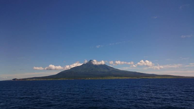 礼文島から見た利尻富士