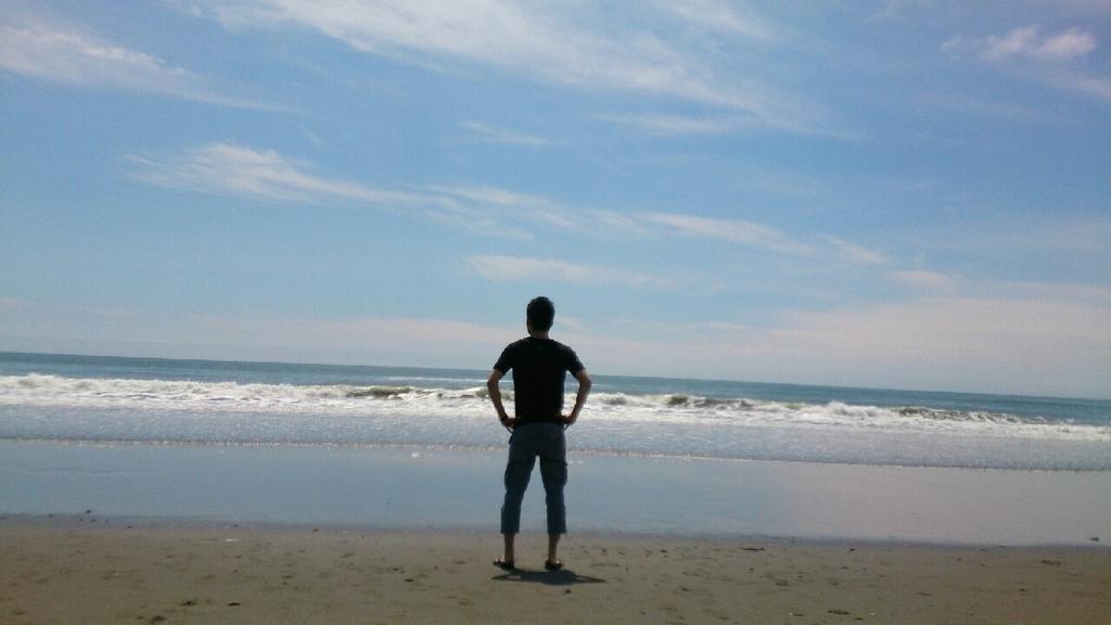 白糠の砂浜で仁王立ち