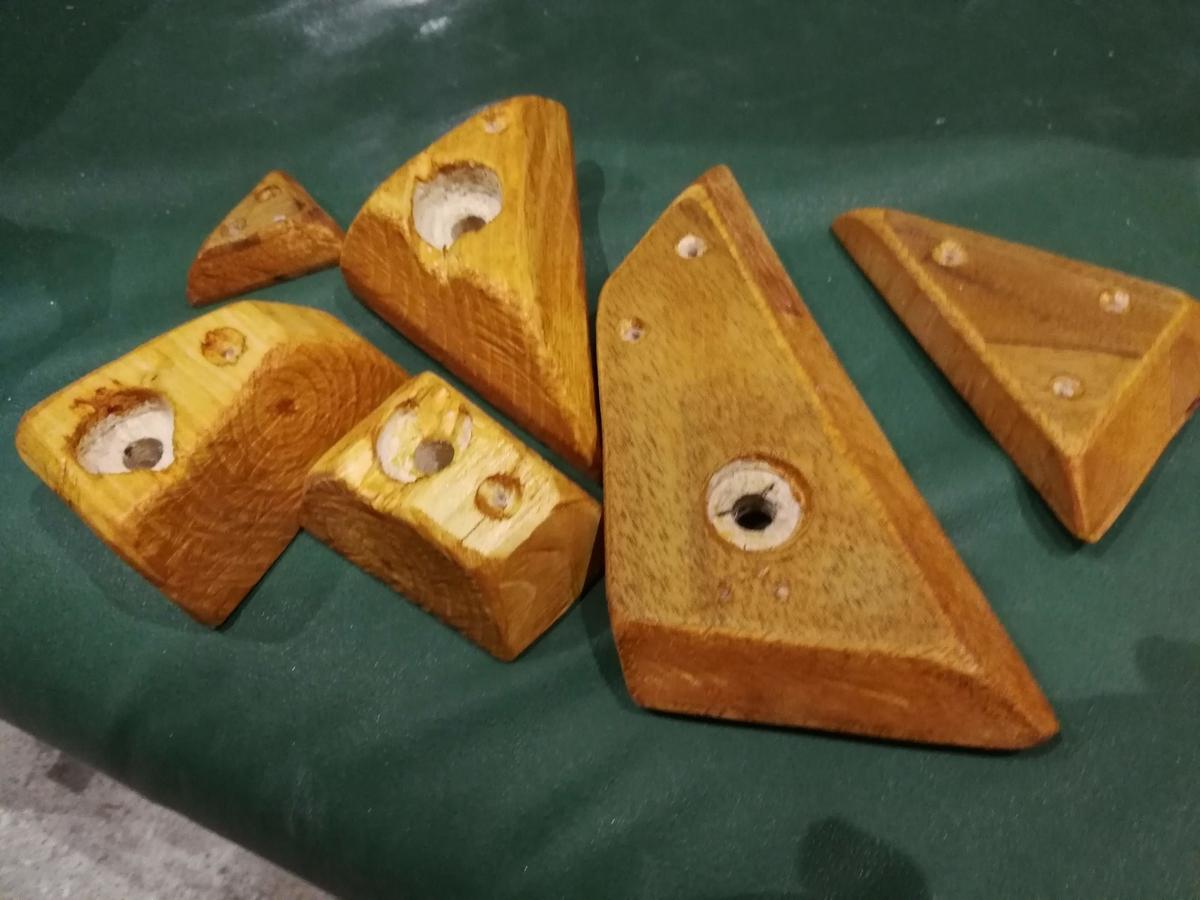 自分で作った木製ホールドたち