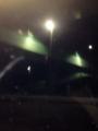 夜、歩道橋。