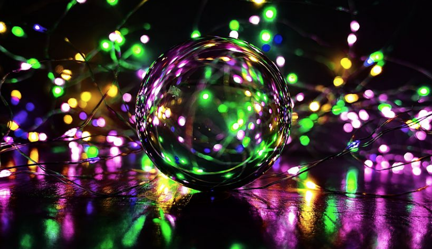 幻想的で、抽象的な、泡沫の画像。想像力の刺激を得られる。