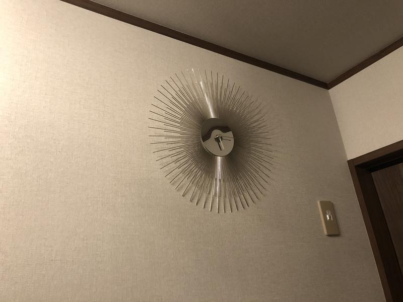 部屋にあった強そうな時計