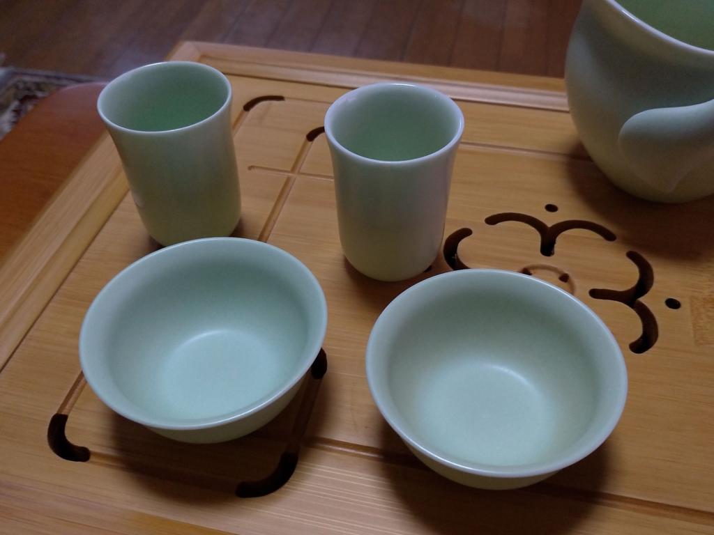 我が家の茶杯と聞香杯、友人からのプレゼント