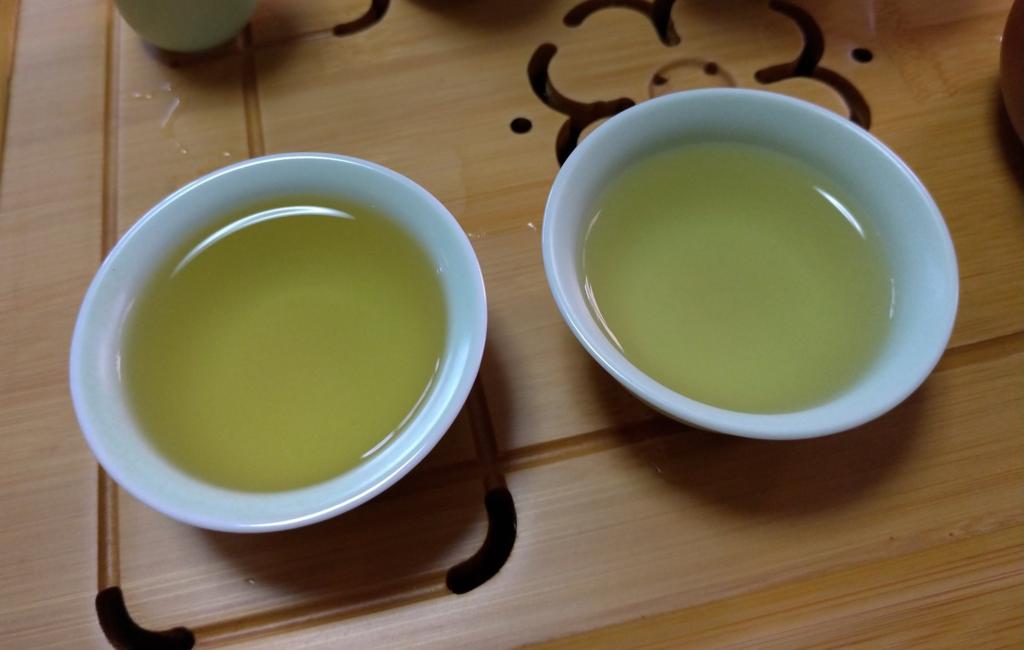 工夫茶14、茶杯のお茶を楽しむ