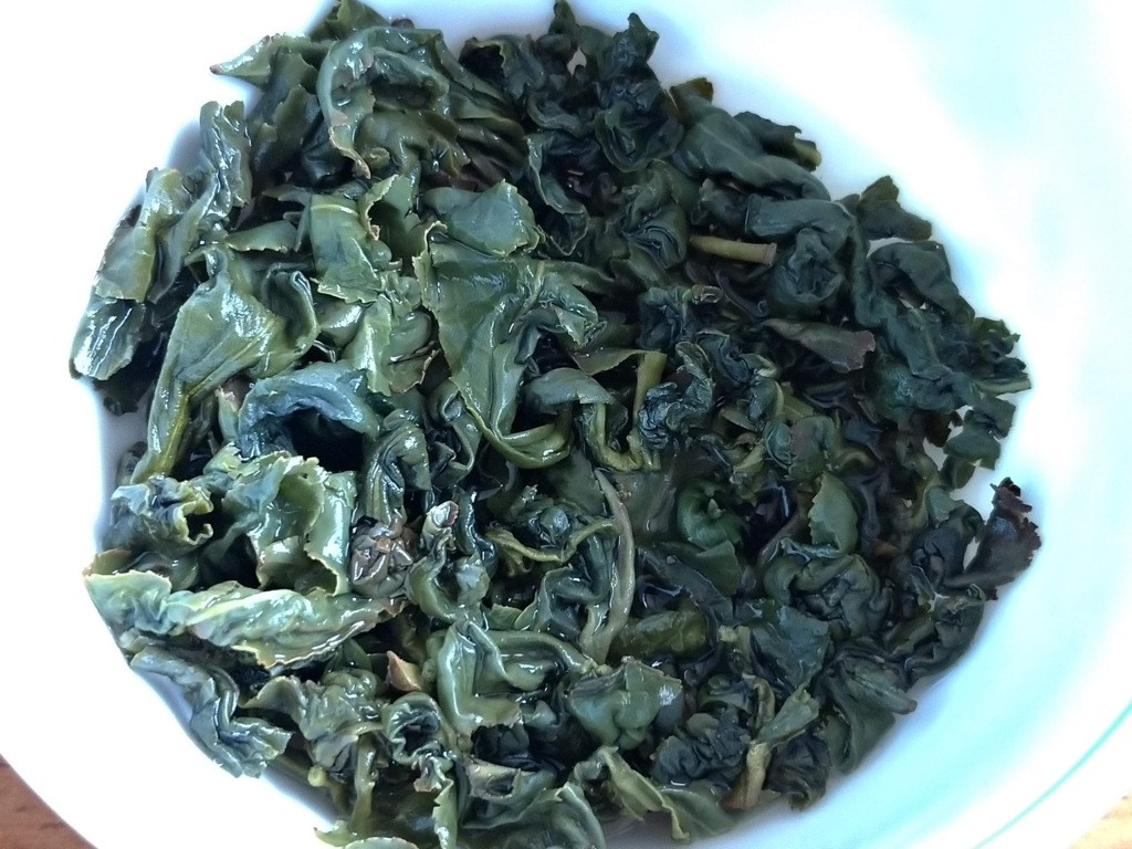 阿里山高山茶、お湯を注いだところ