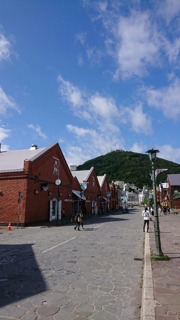金森倉庫軍から眺める函館山