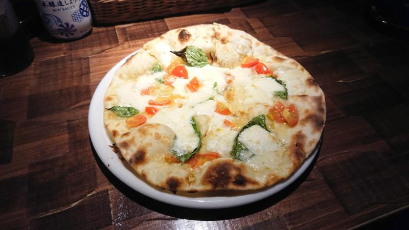 モッツァレラチーズピザ