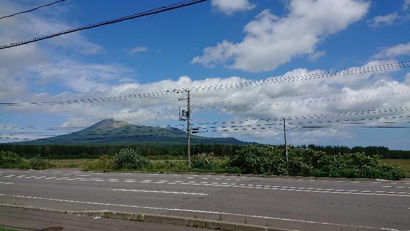 レストラン「ケルン」の店内から眺める駒ケ岳