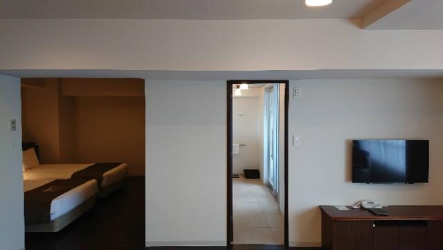 部屋はメインルーム・寝室・ユーティリティの3室構成です