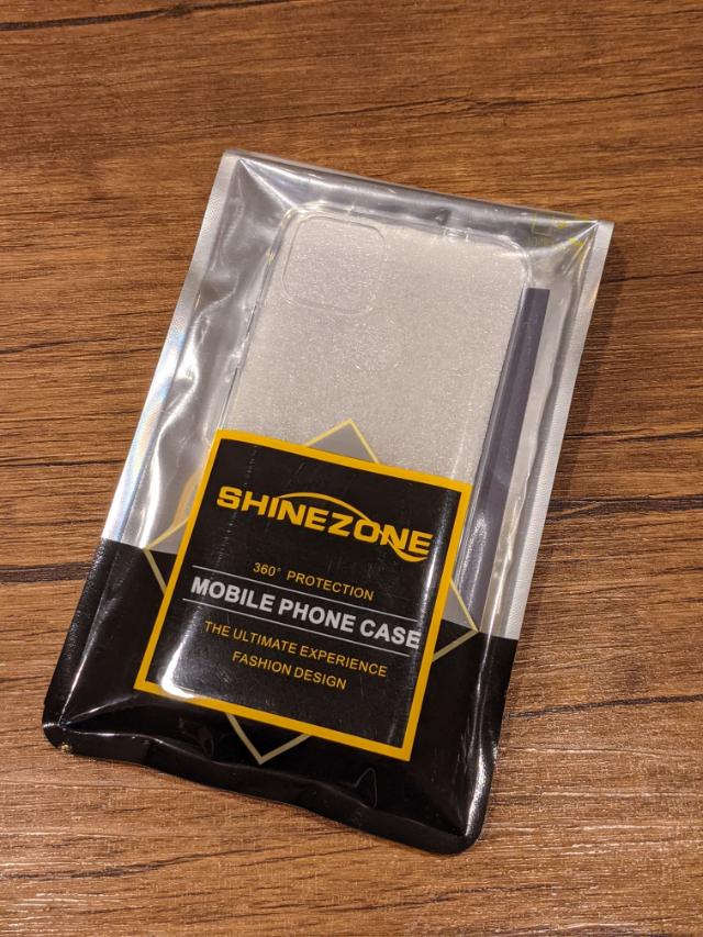 SHINEZONEのクリアケース包装
