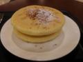 チーズハニーパンケーキ