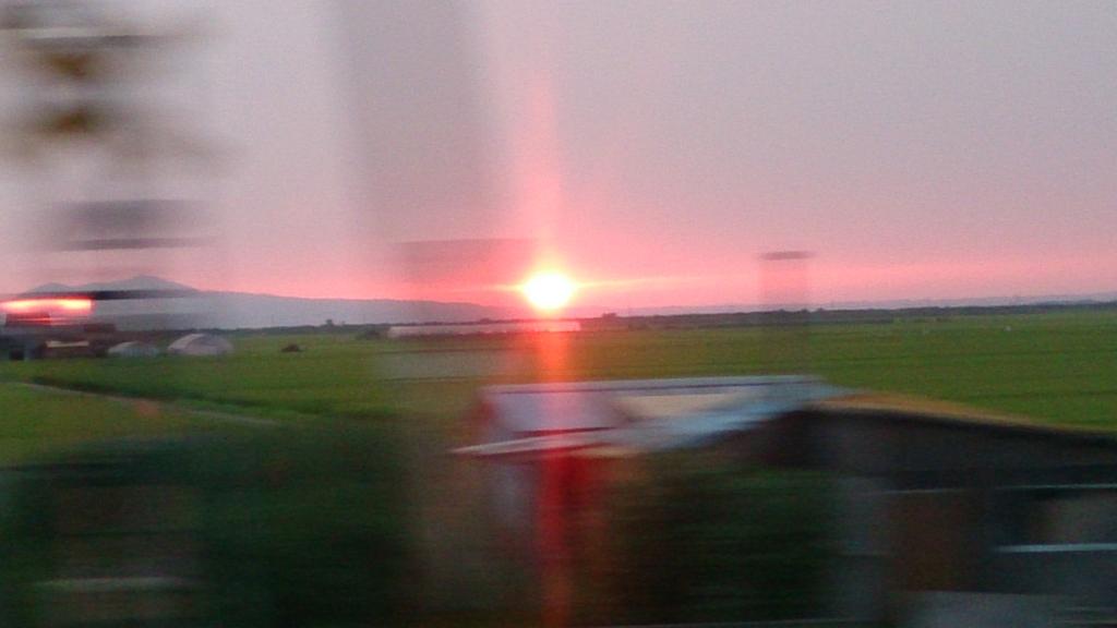奥羽本線から見た夕日