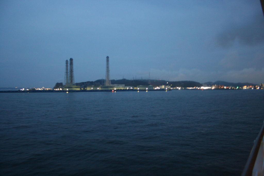 東京湾フェリーから見た久里浜港