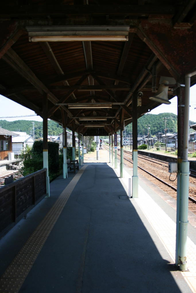 天竜二俣駅の木造プラットフォーム