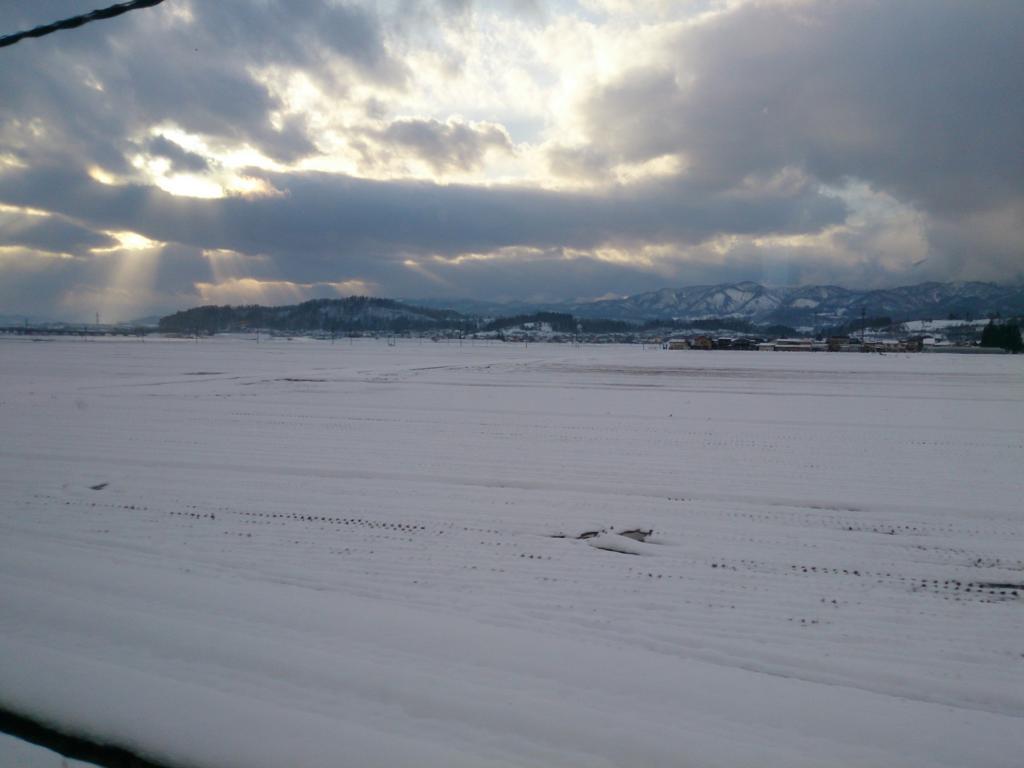 とれいゆつばさから眺める雪景色