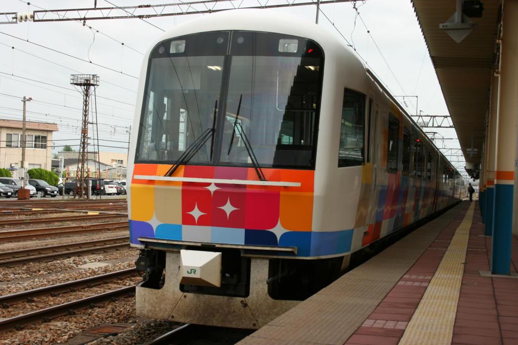 きらきらうえつ 485系電車
