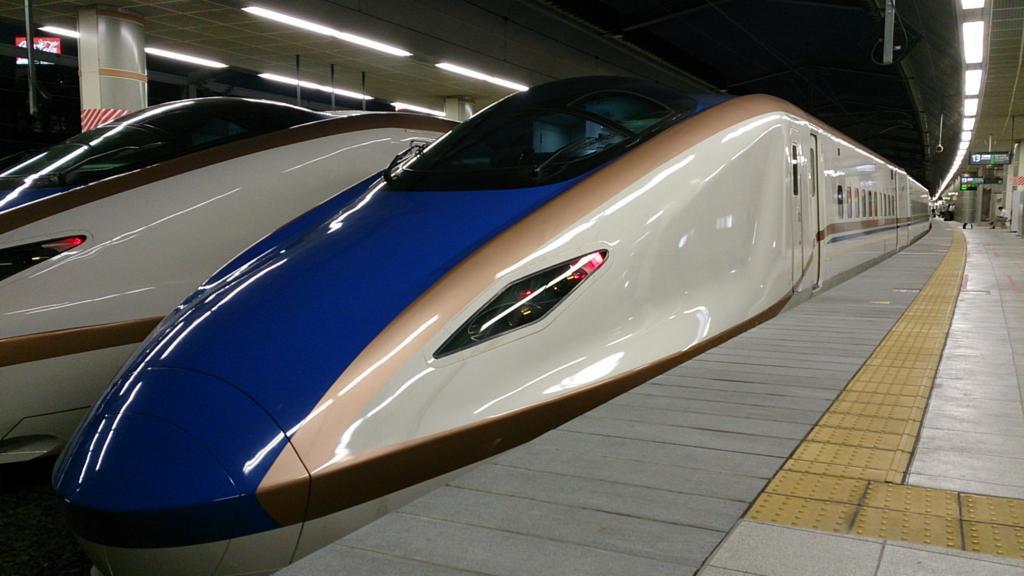 北陸新幹線E7系電車