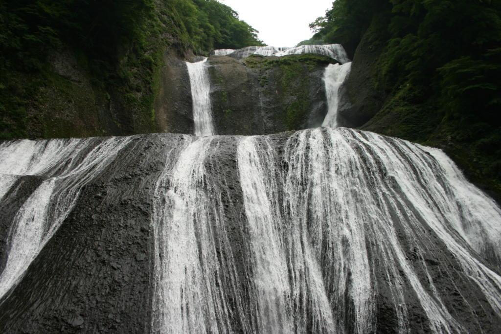 旧観瀑台から見た袋田の滝