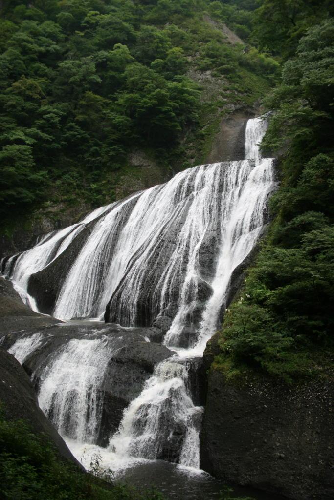 新観瀑台からの袋田の滝全景