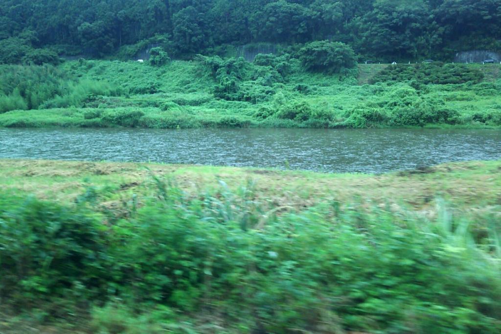 山方宿付近の車窓から見る久慈川