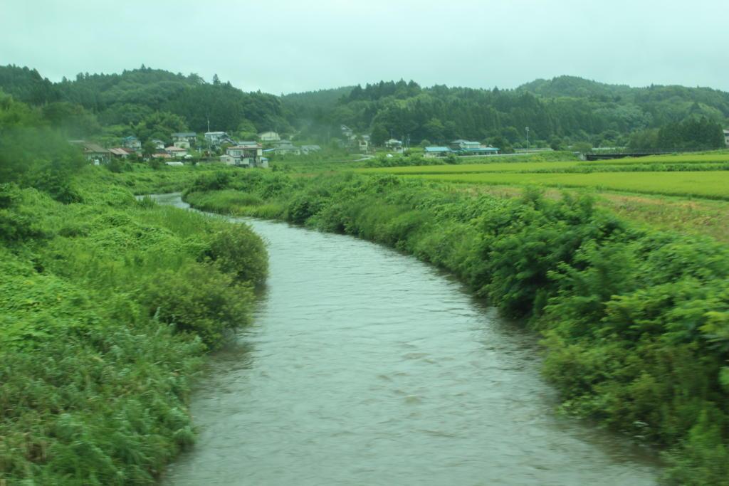 川幅が狭くなってきた久慈川