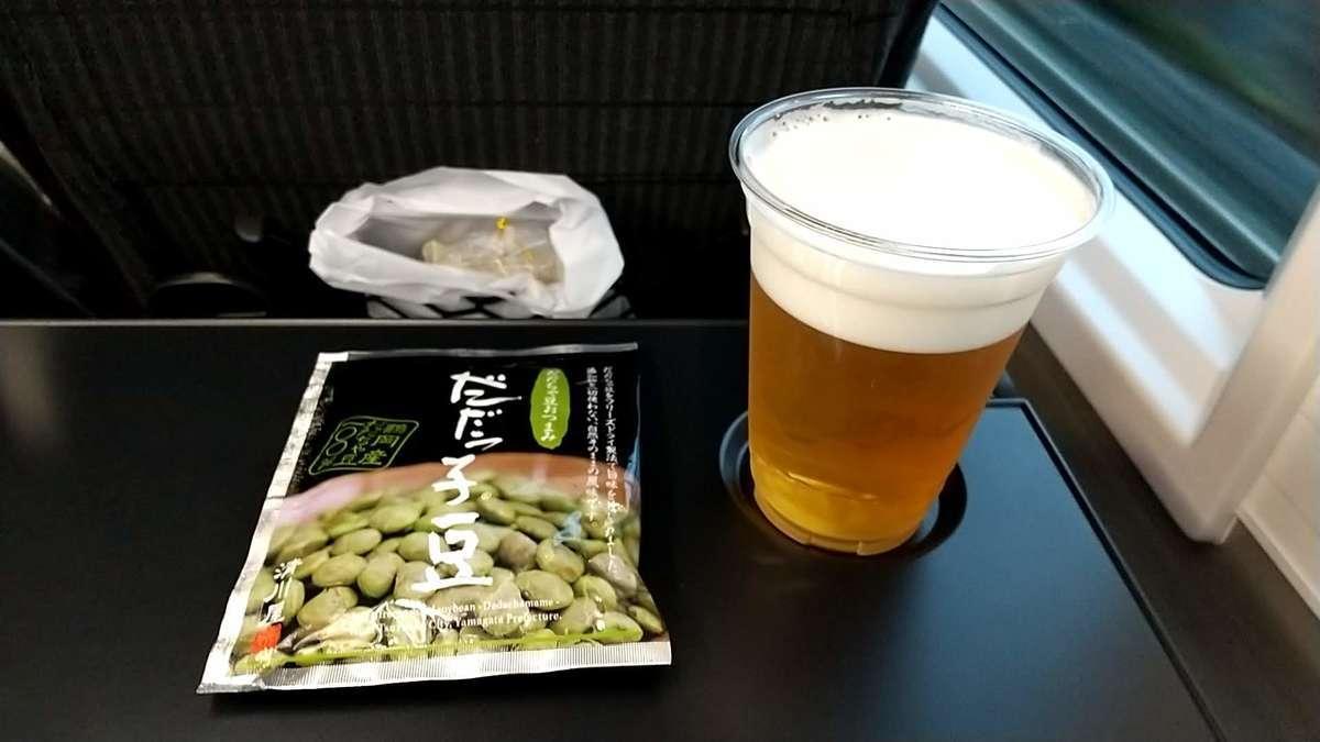 「海里」売店で購入した生ビール