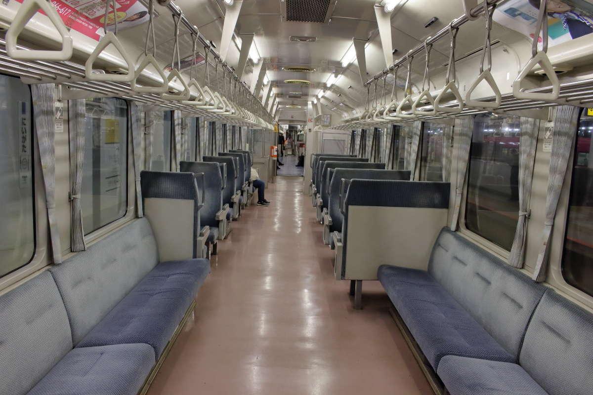 磐越西線「242D」の車内の様子