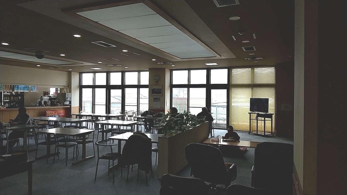 「クウィンス森吉」2階の休憩スペース