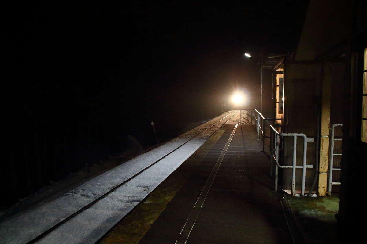 阿仁マタギ駅にやってきた角館行きの列車
