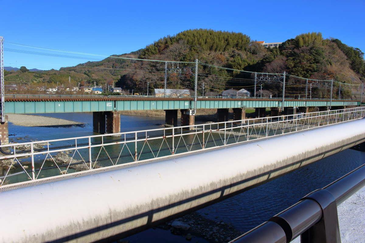 興津川を渡る浦安橋(興津川橋)