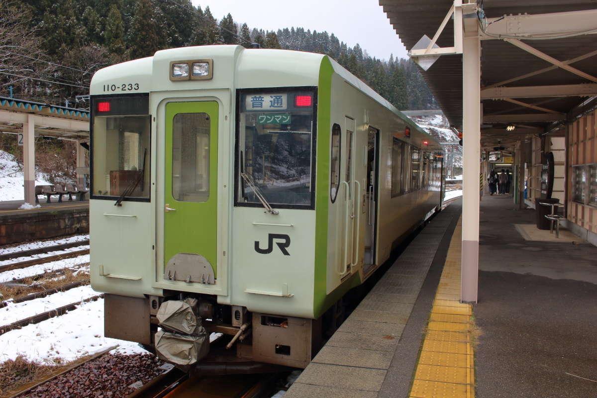飯山線 戸狩野沢温泉行きの列車はキハ110系1両