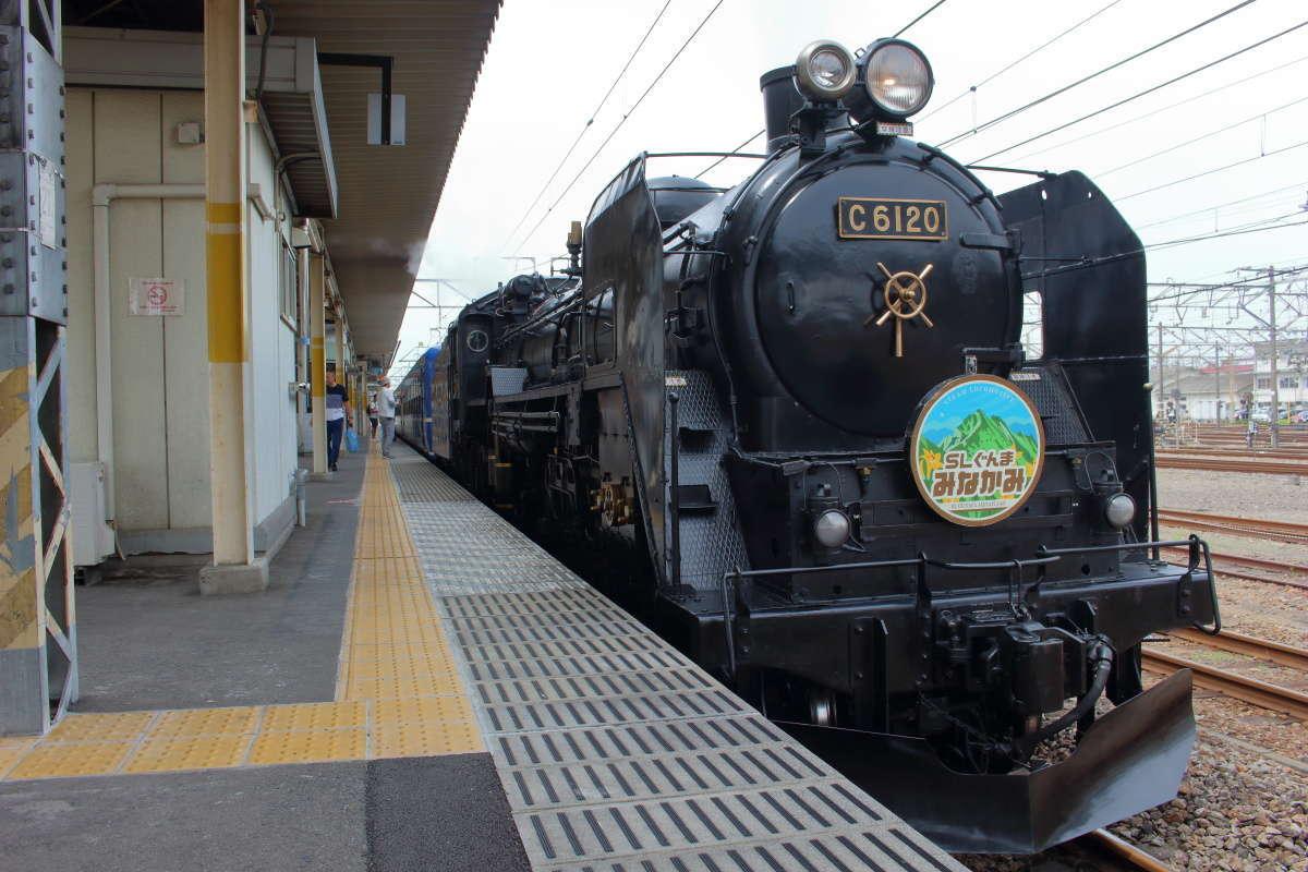 高崎地区のSL列車に使われるC6120蒸気機関車