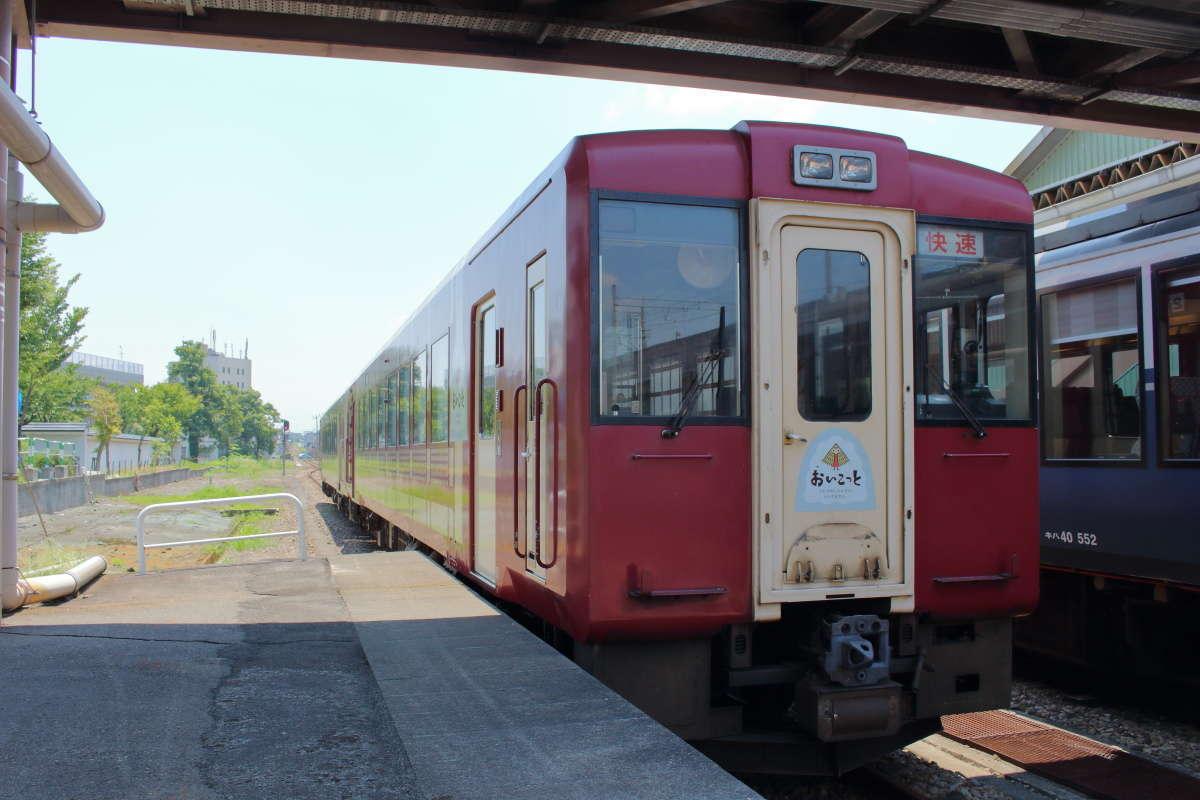 飯山線の観光列車「おいこっと」