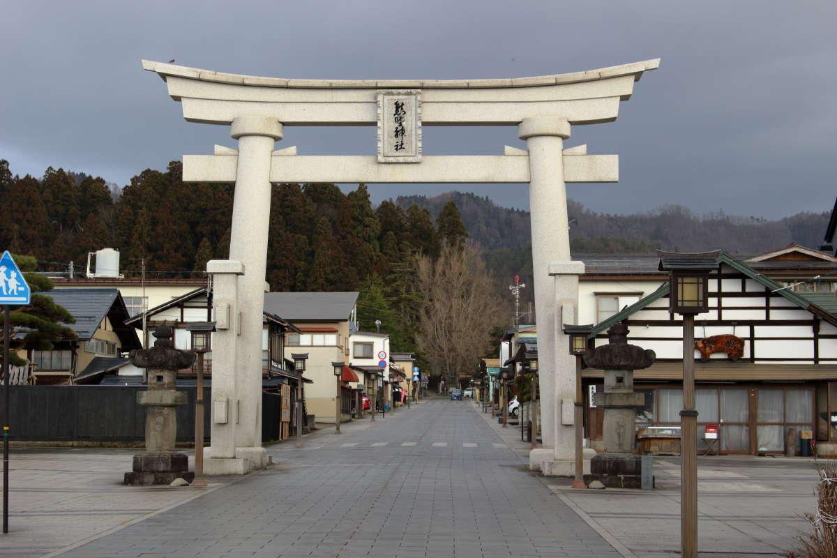 宮坂駅から徒歩10分ほどのところにある「熊野大社」の鳥居