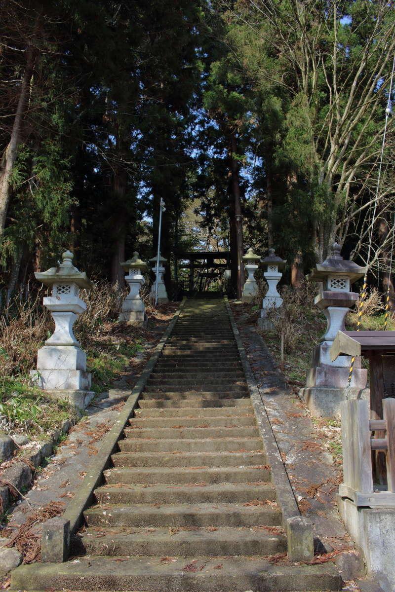 八乙女八幡神社への続く石段
