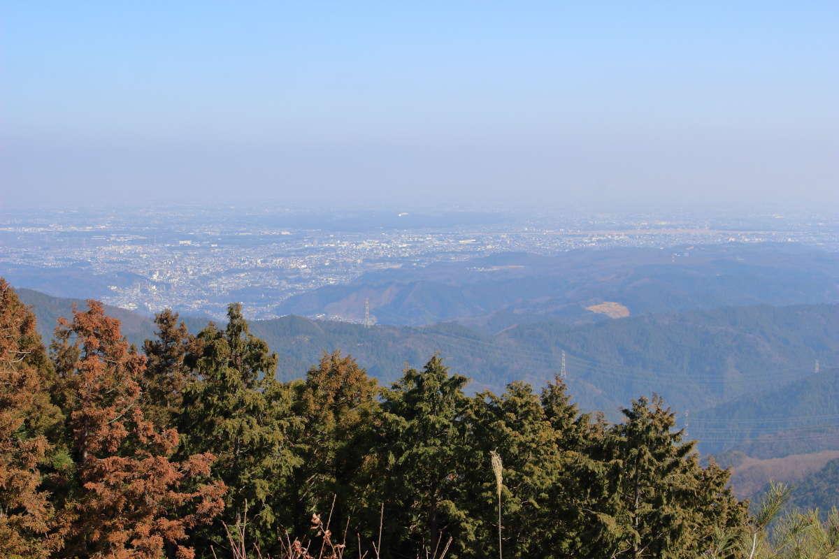 日の出山山頂から関東平野を一望!