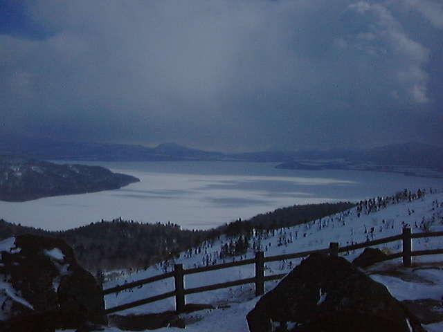 屈斜路湖を一望する美幌峠からの絶景