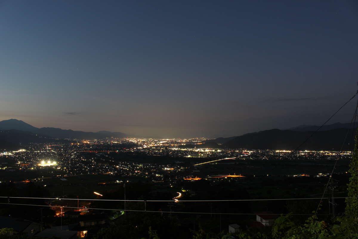 姨捨駅から眺める善光寺平の夕景