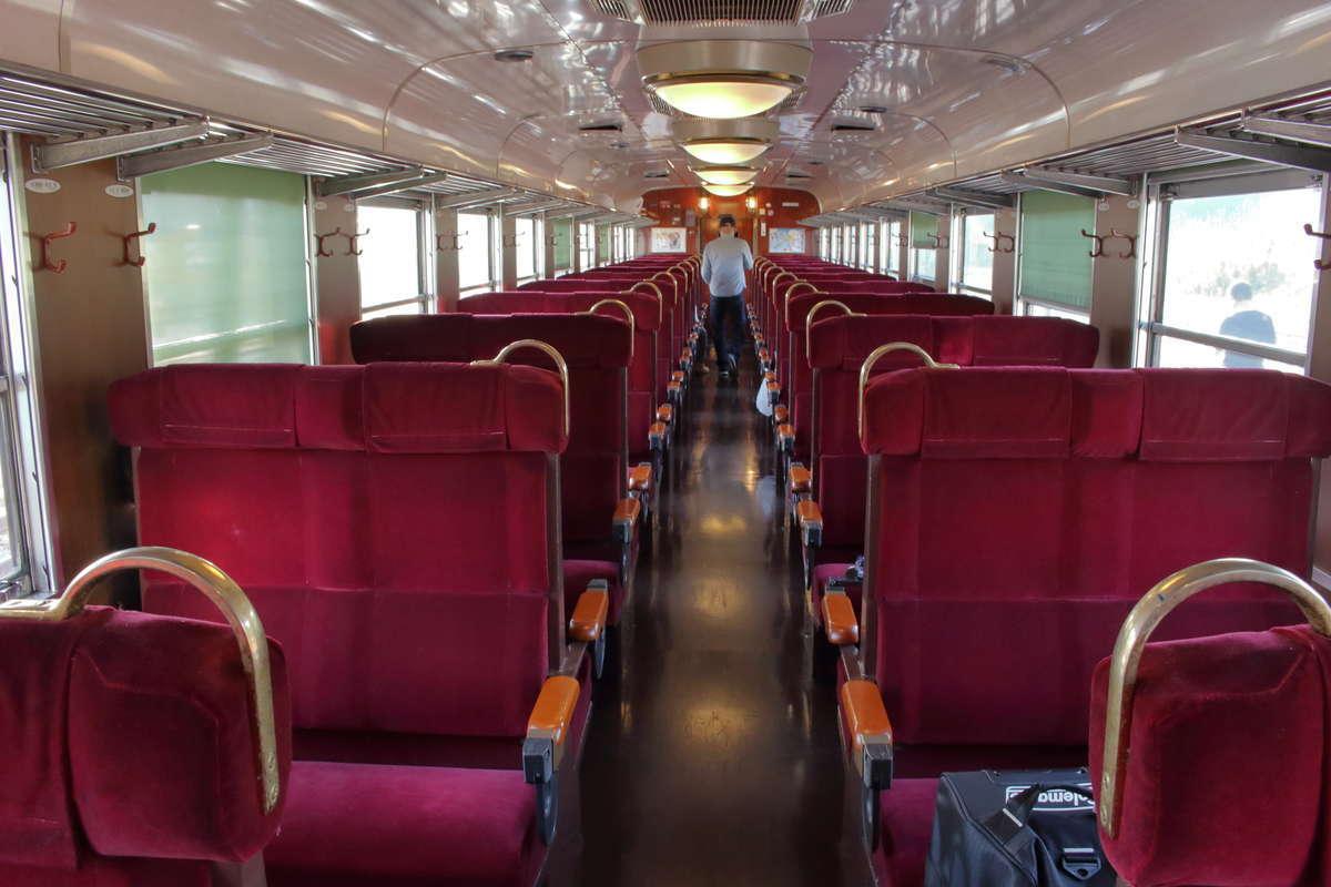 青春18きっぷ+指定席券で乗車できる「SLばんえつ物語」の普通車