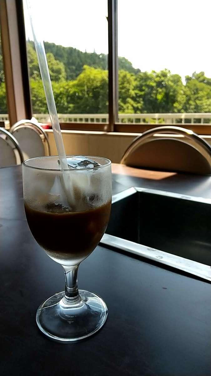 まだスタートして1時間だけどもうアイスコーヒーで休憩
