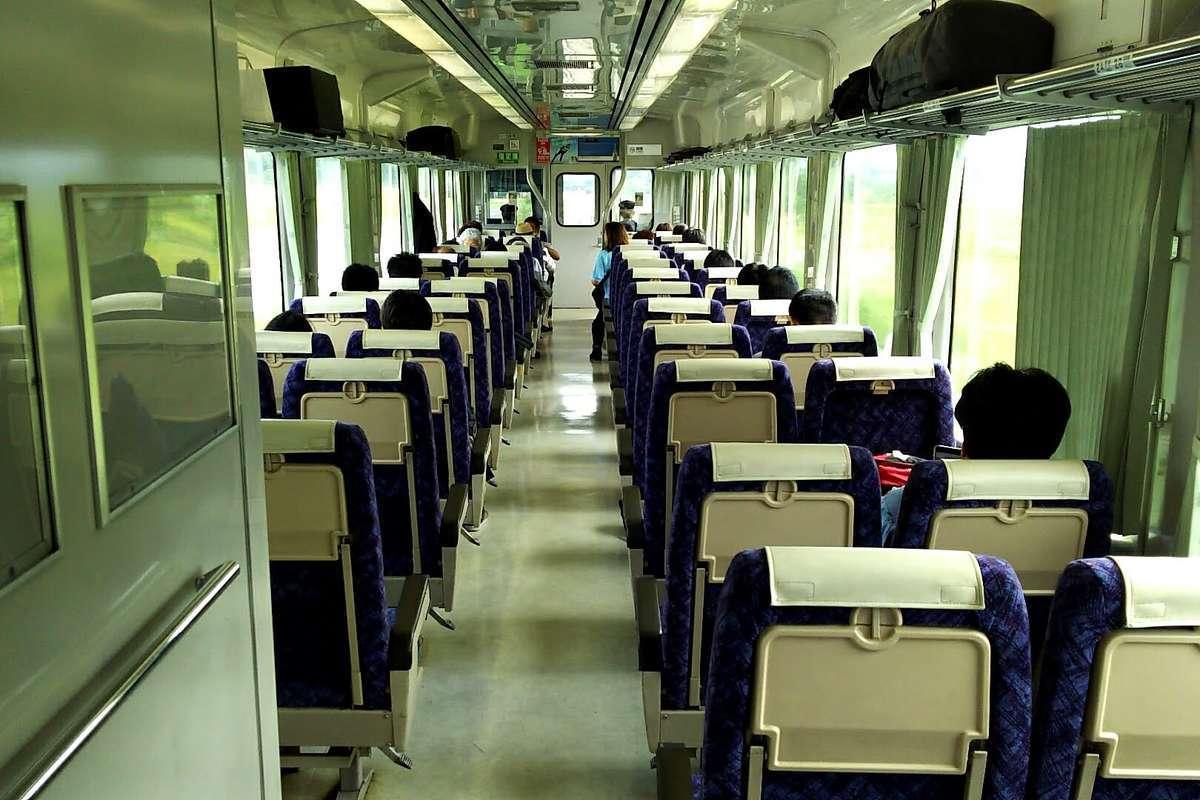 快速「はまゆり」(キハ110系)の指定席はリクライニングシート