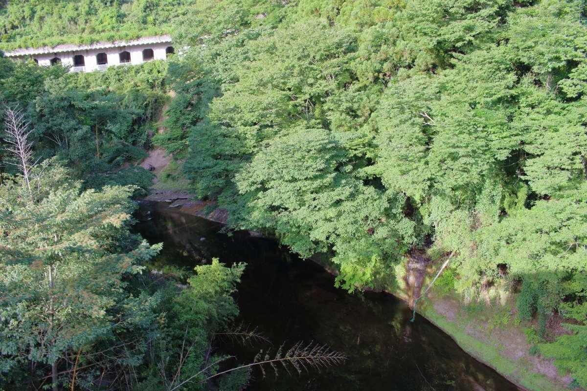 「第四養老川橋梁」で養老川を渡ります