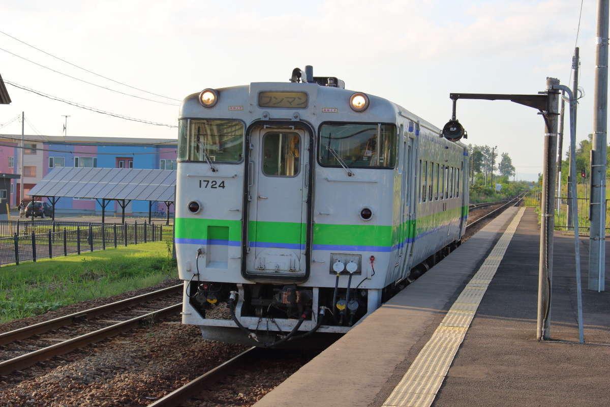 和寒駅から普通列車に乗車、やってきたのはキハ40の単行