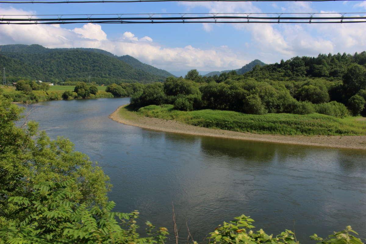 宗谷本線 特急宗谷の車窓から眺められる天塩川の流れ
