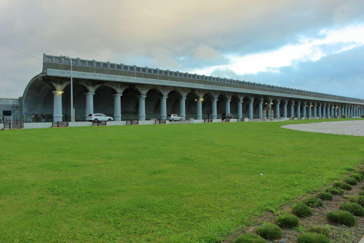 「北防波堤ドーム公園」から眺める稚内港北防波堤ドーム