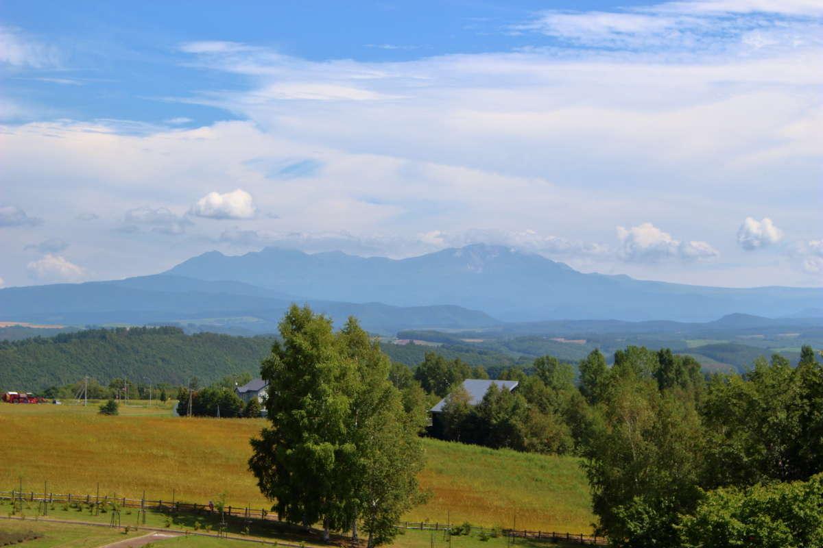 「北西の丘展望公園」の展望台から大雪山を一望!